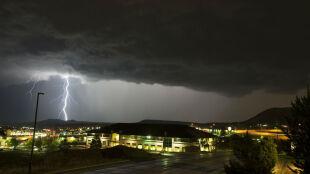 Gwałtowna burza przeszła przez USA. Spektakl piorunów nad Denver
