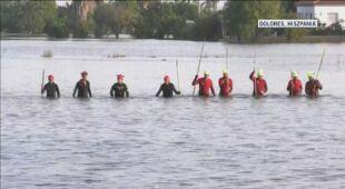 Poszukiwania zaginionego w trakcie powodzi w Hiszpanii